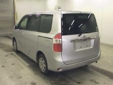 Toyota Noah ZRR70